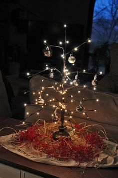 Amazing little minimal Christmas treee