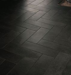 Best pictures, design and decor about kitchen flooring ideas, tile pattern. inexpensive - Kitchen floors for my modern kitchen Dark Tile Floors, Herringbone Tile Floors, Grey Floor Tiles, Black Tiles, Black Floor, Grey Flooring, Flooring Ideas, Black Vinyl Flooring, Black Wood Floors
