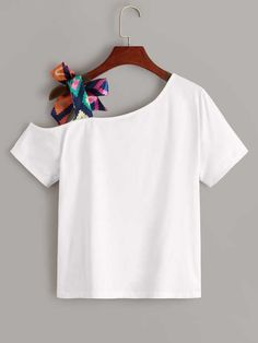 To find out about the Figure Graphic Asymmetrical Neck Ribbon Knotted Tee at SHEIN, part of our latest T-Shirts ready to shop online today! Crop Top Outfits, Girly Outfits, Casual Outfits, Girls Fashion Clothes, Fashion Outfits, Kleidung Design, Aesthetic T Shirts, Fashion Sewing, Mode Style