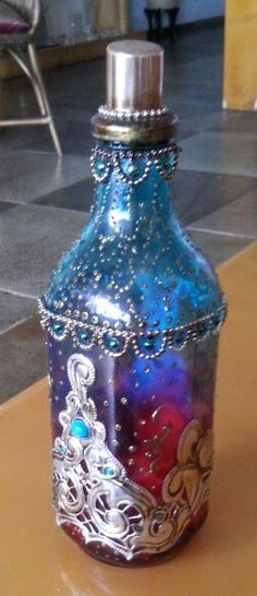www.aderodrigues.com Painted Vases, Altered Books, Objects, Bottle, Painting, Home Decor, Metal Art, Landscape, Bottles