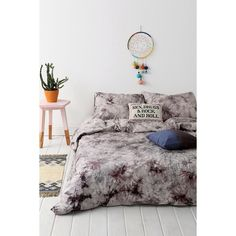 Magical Thinking Acid Wash Duvet Cover (1,370 MXN) ❤ liked on Polyvore featuring home, bed & bath, bedding, duvet covers, grey, cotton bedding, twin extra long bedding, tie dye bedding, tye dye bedding and twin xl duvet insert