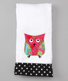 Take a look at this White Owl Appliqué Ruffle Burp Cloth by Frazzled & Bedazzled on today! Quilting Projects, Sewing Projects, Sewing Hacks, Sewing Tips, Sewing Ideas, Owl Applique, Baby Burp Cloths, Owl Bird, Girls Hair Accessories