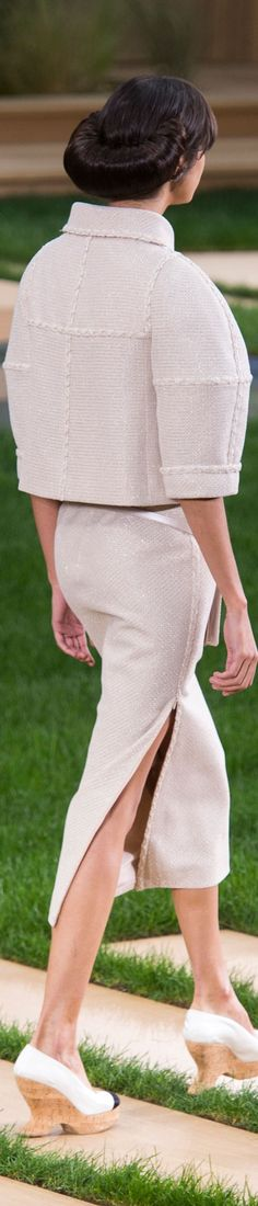 Chanel spring 2016 Couture V