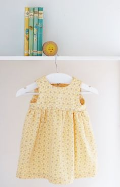 Vintage Yellow Floral Print Sleeveless Summer Baby Dress 3-6 Months