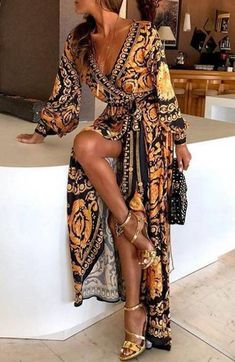 Fashion Vintage Print Long Sleeve V-Neck Big Pendulum Split Maxi Dress Maxi Dresses Look Fashion, Unique Fashion, Vintage Fashion, Latest Fashion, Bohemian Fashion, Fashion Today, Cheap Fashion, Party Fashion, Fashion Trends