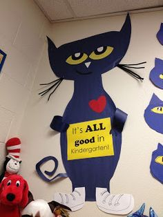 Pete the Cat.Perfect for Kindergarten Round-Up! Preschool Bulletin Boards, Preschool Classroom, Classroom Themes, Bullentin Boards, Preschool Crafts, Beginning Of The School Year, New School Year, Pete The Cats, Cat Activity