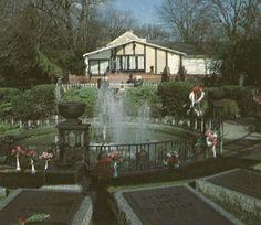 {*Meditation Garden at Graceland 1984*}