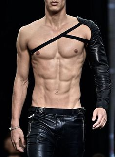Body Reference, Anatomy Reference, Leather Men, Leather Pants, Male Torso, Men With Street Style, Hommes Sexy, Action Poses, Human Anatomy