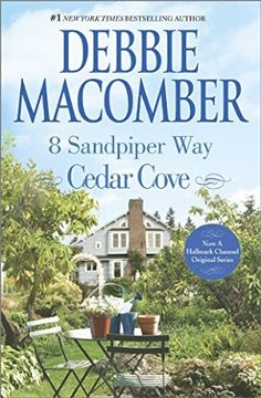 book cover of 8 Sandpiper Way