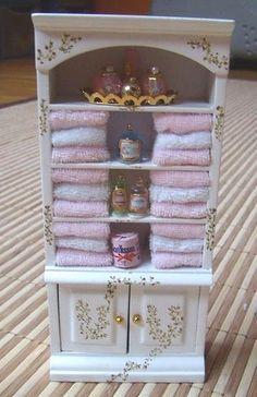 Miniature Rooms, Miniature Crafts, Miniature Furniture, Modern Dollhouse Furniture, Miniature Houses, Diy Dollhouse, Dollhouse Miniatures, Minis, Doll House Crafts