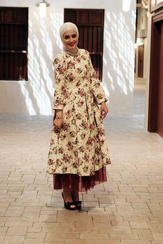 Dalalid, la mejor Blogger!! Arab Fashion, Islamic Fashion, Muslim Fashion, Modest Fashion, Unique Fashion, Casual Hijab Outfit, Hijab Chic, Hijab Trends, Muslim Women
