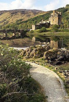 The path to Eilean Donan Castle in Scotland Scotland Road Trip, Scotland Travel, Castle Scotland, Beautiful Castles, Beautiful Places, Great Places, Places To See, Eilean Donan, Scottish Castles