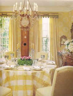 The Devoted Classicist: White House With A Red Roof--yellow room. Yellow Dining Room, Cottage Dining Rooms, Yellow Rooms, Living Room, Red Roof House, Yellow Cottage, Yellow Interior, French Country Decorating, Cottage Decorating