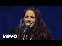 Ana Carolina - Quem De Nós Dois (La Mia Storia Tra Le Dita) - YouTube