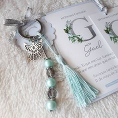 Boutique de Diseño (@lapaqueretteboutique) • Instagram photos and videos Crochet Keychain, Diy Keychain, Communion Gifts, First Communion, Baptism Party Decorations, Keychain Design, Baby Shower Favors, Holidays And Events, Sewing Crafts