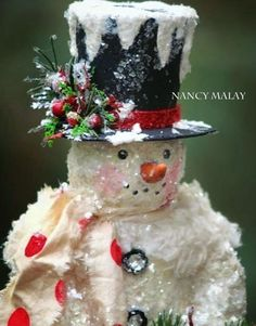Sneak Peek at a couple of items that will be available on the sale! Christmas Craft Fair, Christmas Snowman, Rustic Christmas, Holiday Crafts, Christmas Holidays, Christmas Wreaths, Snowman Decorations, Snowman Crafts, Christmas Decorations
