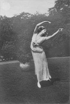 Anna Pavlova by Claude Harris, 1914.