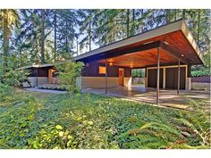 Seattle Modernist woodland house