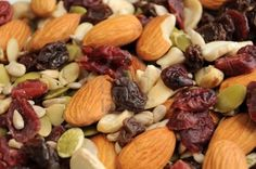 Tips For Making A Healthy Trail Mix. #myideal #pumpkin seeds #yummy @IdealShape