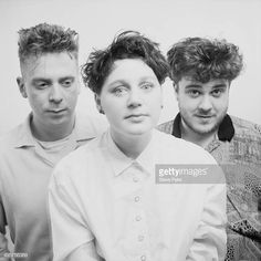 Scottish alternative rock band The Cocteau Twins July 1988 Left to right bassist Simon Raymonde singer Elizabeth Fraser and drummer and. Twin Pictures, Twin Photos, Stock Pictures, Alternative Rock Bands, Alternative Music, Cocteau Twins, Punk Goth, Post Punk, Music Artists