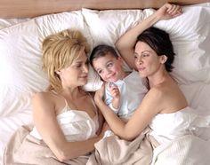 Mel Linz Queer as folk Family Goals, Family Love, Beautiful Family, Same Love, Love Her, Lesbian Family Photos, Jean Ferrat, Tori Tori, Lesbian Moms