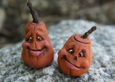 Cute Sculpted Polymer Clay Halloween Pumpkin Figure for Decoration