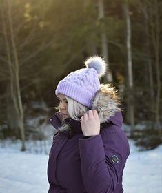 FREE Ravelry pattern: The Cushy beanie pattern by Heidi Vaherla Knit Crochet, Crochet Hats, Beanie Pattern, Beanies, Canada Goose Jackets, Ravelry, Knitting Patterns, Winter Jackets, Free