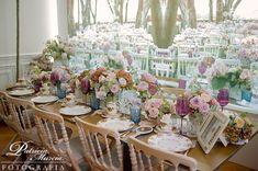 Un arreglo simple pero elegante y romántico, ideal para tu boda. #Tendenciasdeboda #VisteTuEvento