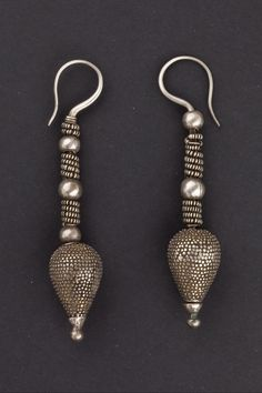 Earrings Nuristan - Pakistan First half 1900 Silver Ethnic Jewels 0500 Art Deco Jewelry, Tribal Jewelry, Jewelry Crafts, Jewelry Design, Bohemian Jewellery, Silver Earrings, Silver Jewelry, Tribal Earrings, Silver Ring