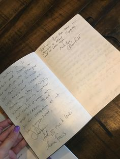 Sister claimed Chris Pratt & Ana Faris stayed at a cabin she rented. Was skeptical until I saw his handwriting.