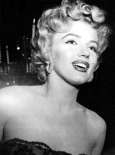 MarilynPhotoplay awards Ceremony; 1952