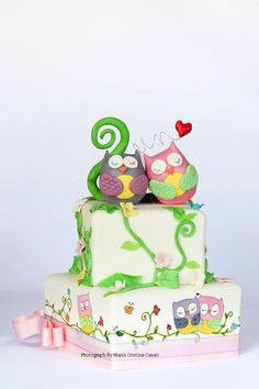 CakeDecorPros.com - the only directory of cake decorating professionals. Get listed for free. Brought to you by CakesDecor.  owls in love Ca...