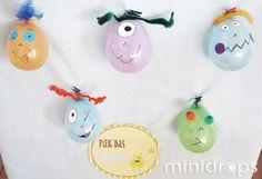 Benötigt werden ✓kleine Luftballons (z.B.Wasserbomben), einen pro Spieler ✓Bonbons o.ä. ✓Dekoration, Monsteraugen, Federn, Pfeifenputzer usw. ✓eine Gabel Vorbereitung: Die Luftballo...
