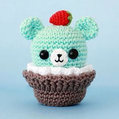 Ami-Domi Land: knit amigurumi: Bear-amigurumi cupcake. Knitted basket