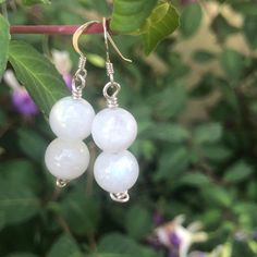 This divine pair of bespoke moonstone earrings were a customer order which are on their way to their new home today! This rainbow… Moonstone Earrings, Pearl Earrings, Earrings Handmade, Chakra, Bespoke, Rainbow, Pairs, Jewelry, Instagram