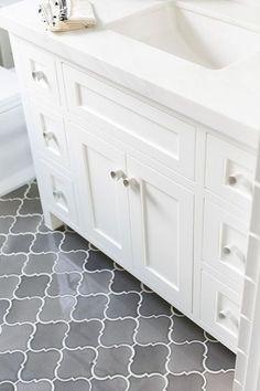 bathroom flooring arabesque ombre grey floor tiles for bathroom floors tile ideas Grey Bathroom Tiles, Grey Bathrooms, Modern Bathroom, Master Bathroom, Gray Tiles, White Bathroom, Remodled Bathrooms, Moroccan Bathroom, Bathroom Small