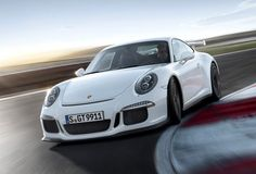 The new 911 GT3 in action. Amazing!
