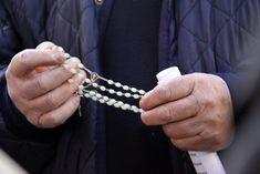E' una storia boccaccesca che pare senza fine quella delle orge in canonica organizzate da un prete padovano, don Andrea Contin, con parrocchiane e altri amici sacerdoti.  © ANSA