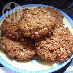 Traditional ANZAC Biscuits recipe – All recipes Australia NZ Oat Biscuit Recipe, Biscuit Cookies, Australian Food, Australian Recipes, Baking Recipes, Cookie Recipes, New Zealand Food, Anzac Biscuits, Baking With Kids