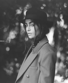 Lily Collins Style, Old Models, Tom Hardy, Celebs, Celebrities, American Actress, Pretty Woman, Riding Helmets, My Girl