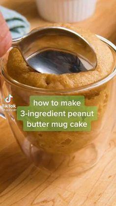 Mug Recipes, Fun Baking Recipes, Sweet Recipes, Cooking Recipes, Easy Recipes, Low Carb Desserts, Just Desserts, Delicious Desserts, Peanut Butter Mug Cakes