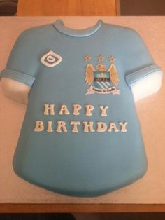 Pretty cool City-inspired cake board by City. 50th Birthday, Birthday Shirts, Happy Birthday, Birthday Cakes, Birthday Ideas, Bike Cakes, City Cake, Shirt Cake, Cake Shapes