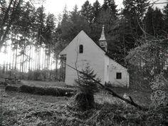 Die verfluchte Pestkapelle von Pollingsried - Ansicht von hinten.