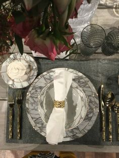 THE STYLE SPOTTERS TREND PIECES OF FALL HIGH POINT MARKET_Patti Johnson  See more: http://interiordesigngiants.com/the-style-spotters-trend-pieces-of-fall-high-point-market-part-ii/