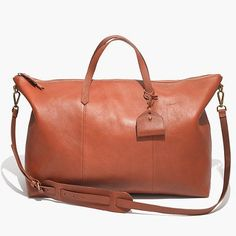 Brand new weekender bag by Madewell. Unfortunately I got my initials engraved image) which doesn't allow me to return it. I wanted a smaller weekender. Leather Overnight Bag, Overnight Bags, Diy Makeup, Leather Handbags, Big Handbags, Leather Bags, Leather Purses, Just In Case, Purses And Bags