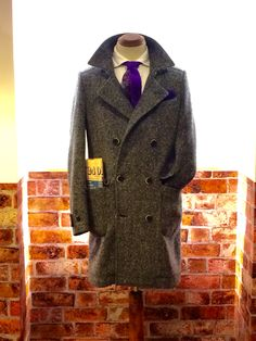 Vintage look db coat in harringbone texture wool with casentino wool tie double-face