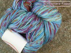 Fröhlicher Himmel - handgefärbte Sockenwolle - ein Designerstück von HerzKoenigin bei DaWanda