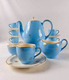 Alfred Meakin Morning Star. Hand Painted star burst 6 setting coffee pot, cream jug, sugar bowl, espresso cups & saucers. 50s Pale blue