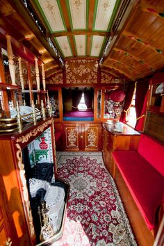 What Makes The Gypsy Wagon Road Different from The Others - Yellowraises - Caravan,Caravan World,Caravan Travel. Gypsy Living, Tiny Living, Compact Living, Gypsy Wagon Interior, Gypsy Caravan Interiors, Gypsy Decor, Bohemian Gypsy, Bohemian House, Gypsy Style