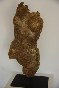 Cardboard sculptures made with recycling carboard Cardboard Sculpture, Cardboard Art, Lovers Art, Recycling, Nude, Woman, Top, Beauty, Sculptures